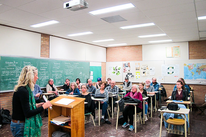 Reading for adult students at the German Language School Saskatoon